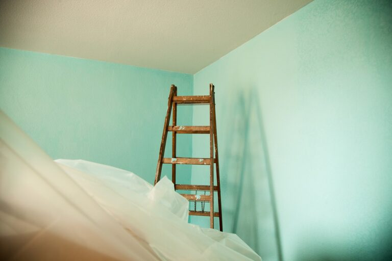 Lakásfelújítás támogatása 2021 – vissza nem térítendő állami támogatás jár lakásra és házra
